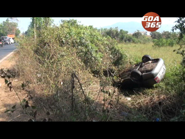 Car meets with an accident, turns turtle at Cuncolim; three injured