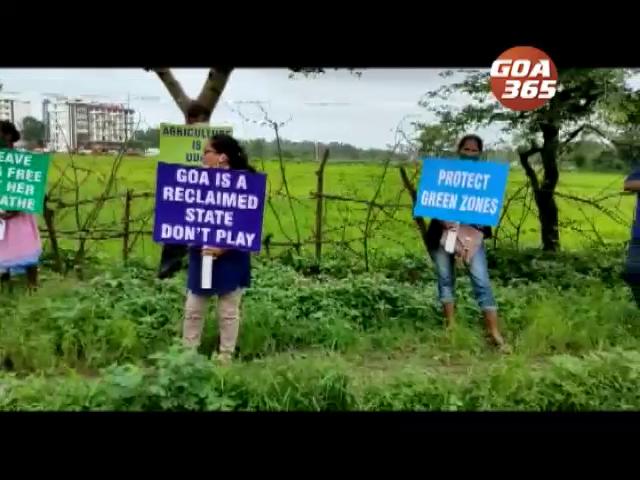 GSUDA fences off Aquem Baixo paddy fields; farmers protest