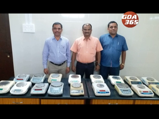 Legal metrology raids jewelry shops, seizes weighing machines