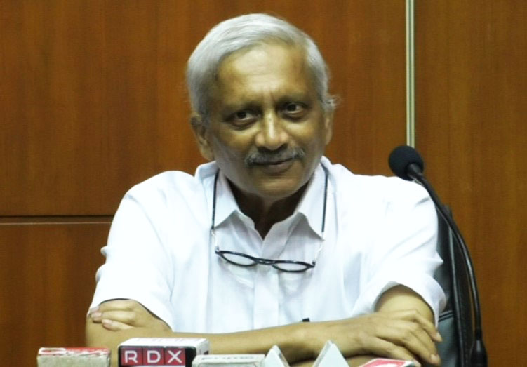 Stay away from me if you have cough, cold: Parrikar