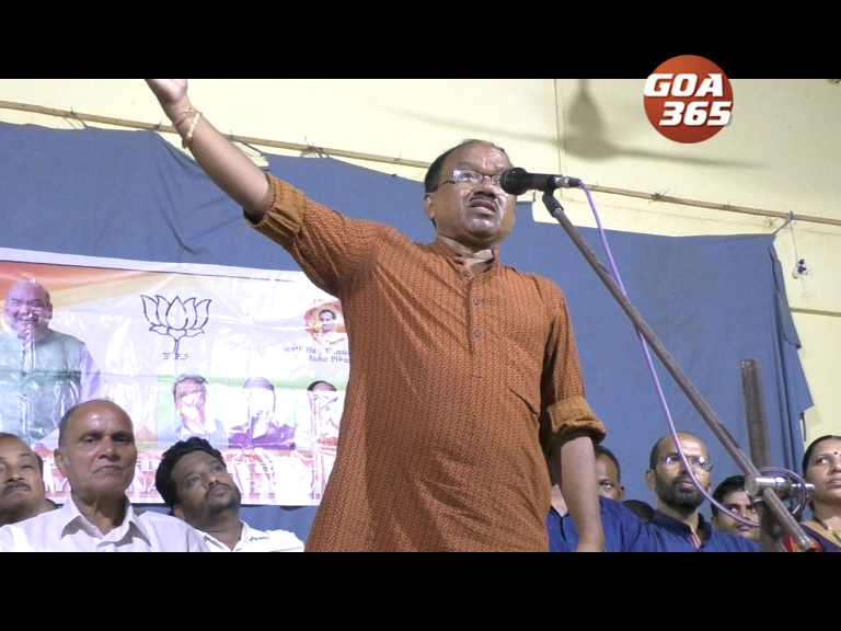 Parsekar still offensive, may contest against BJP