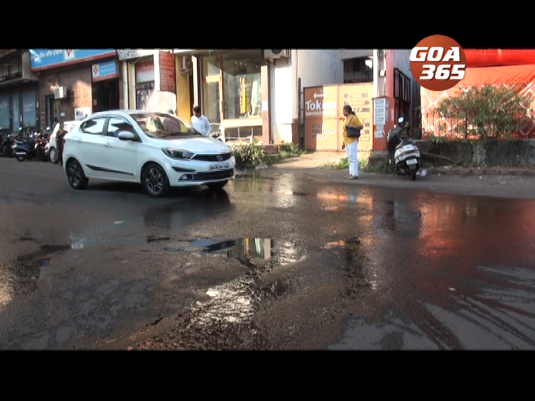 Sewage overflows on Margao road; authorities fail to act