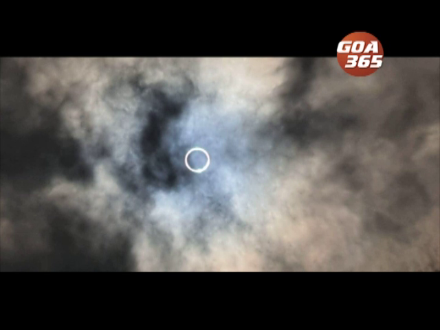 Solar Eclipse turns the sky Dark on Sun