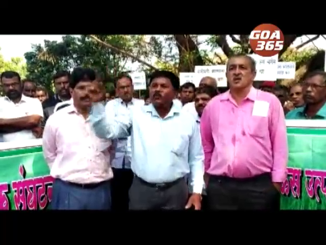 Farmers upset over govt action on sugarcane factory