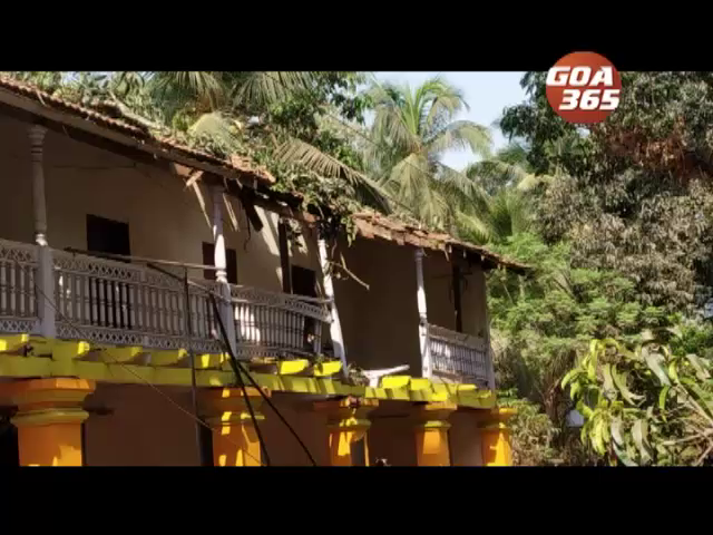 Tree branch falls on a house in Ramnathi, causes Rs1.5 lakh damage