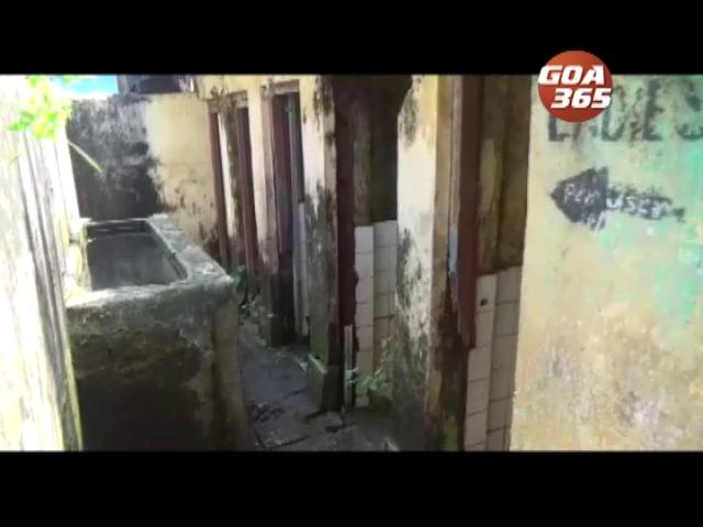 Vasco toilets stink, says locals