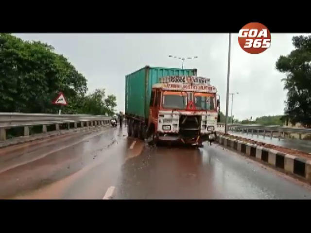 Yet another accident on Bandora fly-over