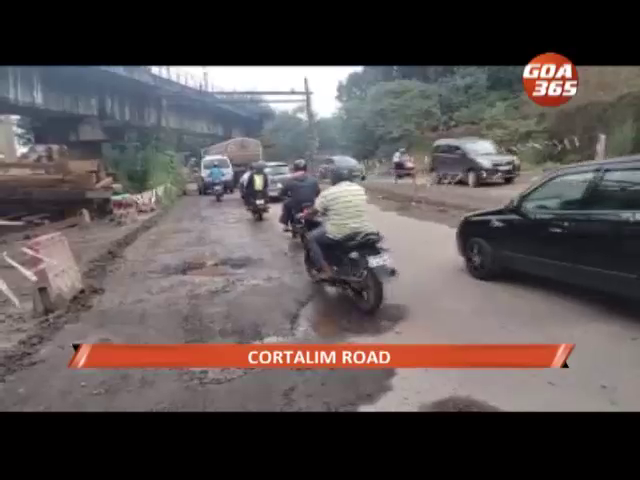 Cortalim road in bad shape