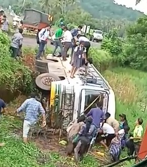 2 buses meet with accidents, both due to dug up roads, potholes