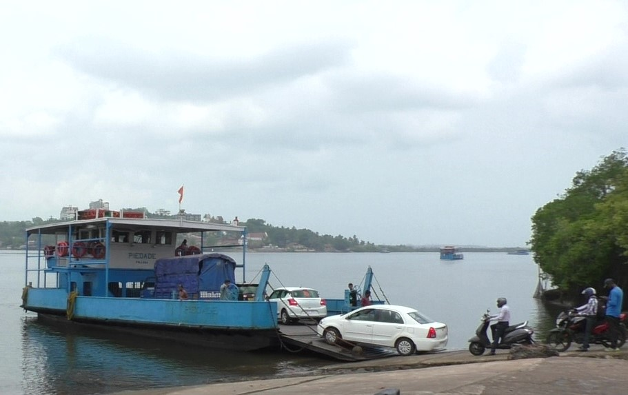 Commuters demand 5th ferry boat on Chodan ferry route