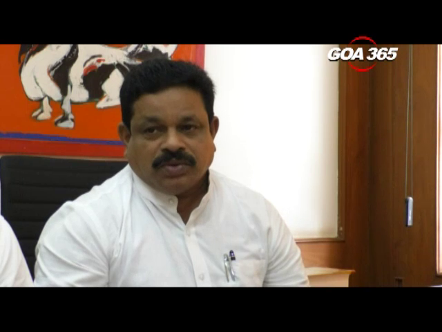 'Dal mein kuch kala hain', Congress on Mopa