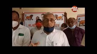 Deepak, Govind spar over online education