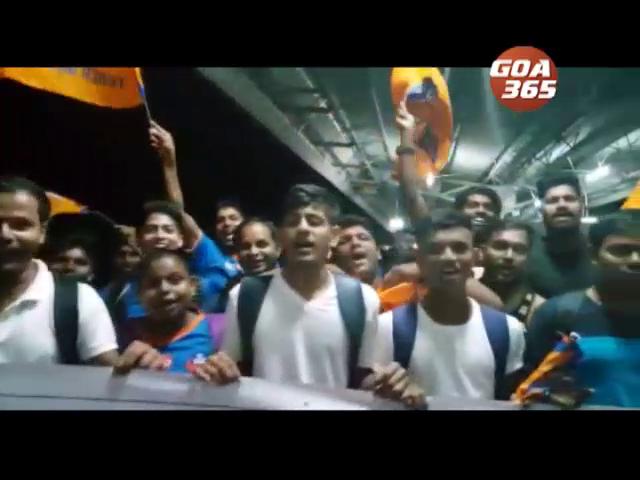 12th man, Fans off to Chennai