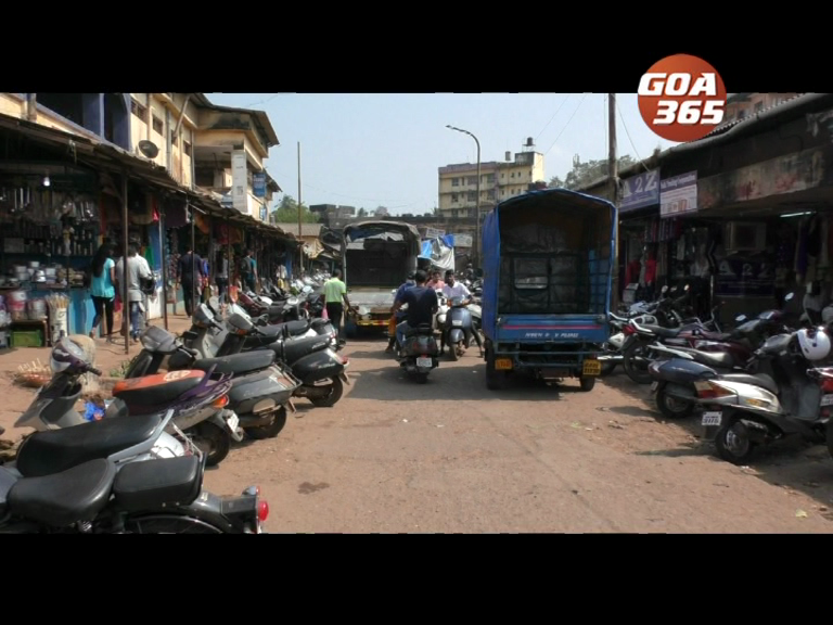 MMC issues notice to clear road side encroachments