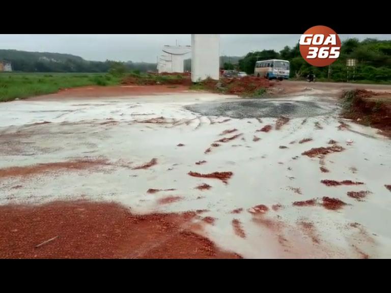 Cortalim: Farmers upset over slurry in fields