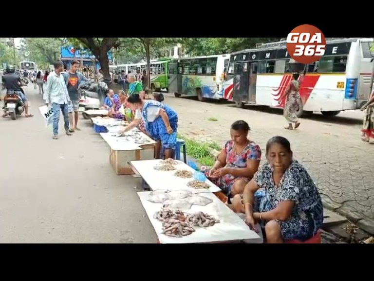 When all vendors sell fish on the road in Vasco…..