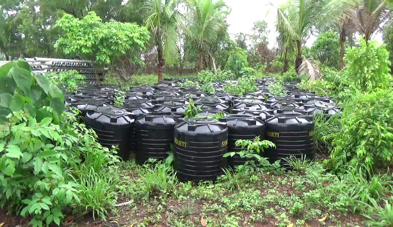 1000 PWD tanks lie unused, rejected