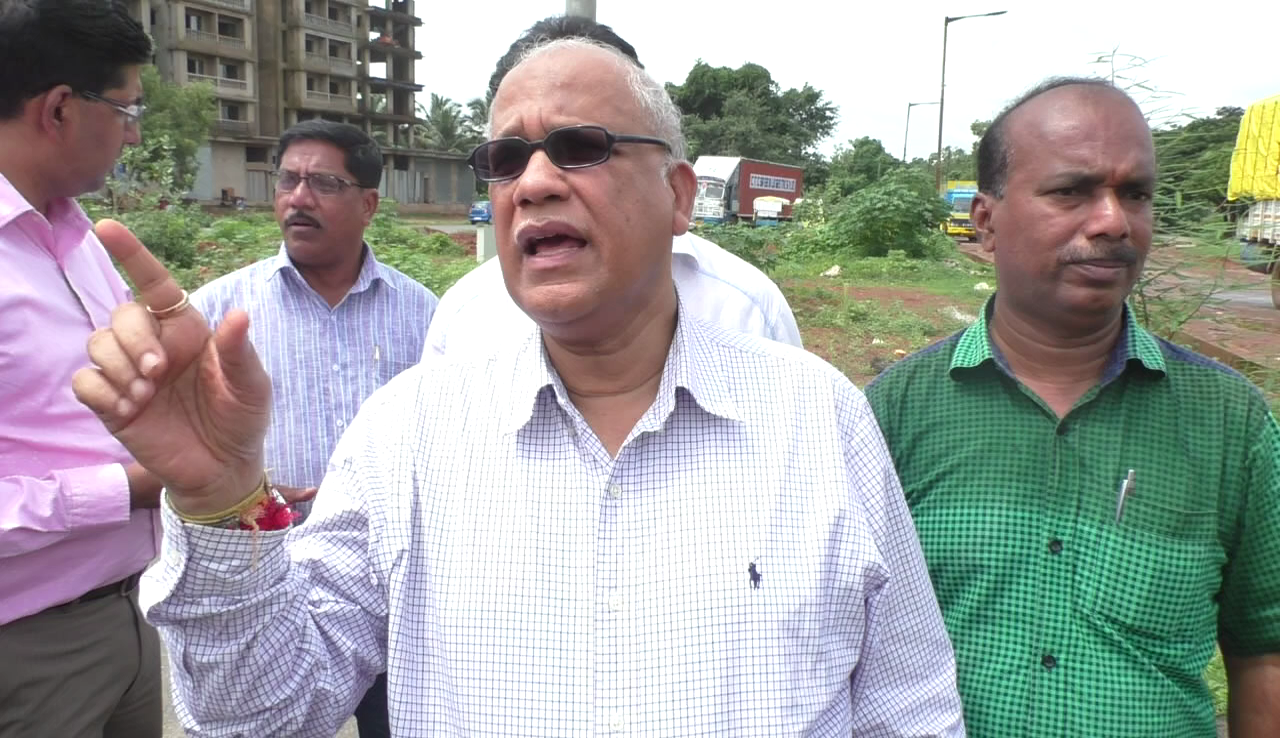 Digambar inspects Madgao roads, repairs to start soon