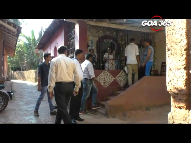 8 lakhs gold stolen in daring daylight robbery