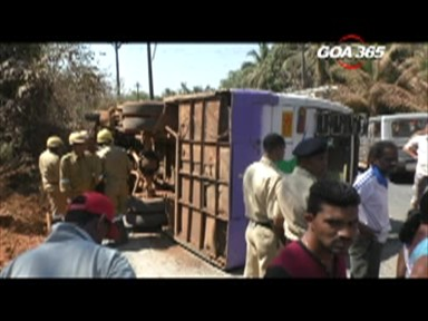 Alert driver averts major bus mishap, 17 school children escape with minor injuries