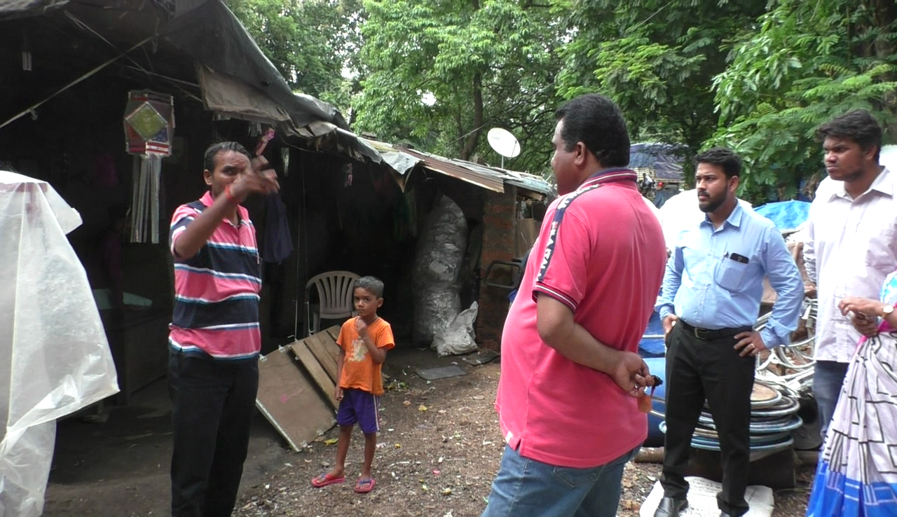 BDO, panchayat officials inspect hutments in Kavlem