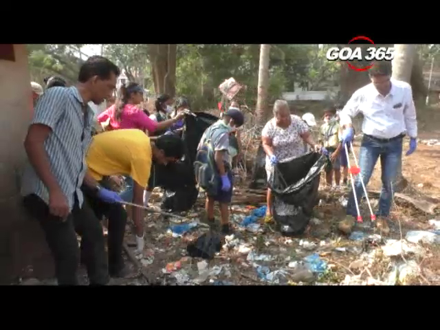Carmona students carry out garbage collection drive