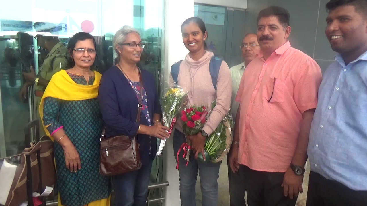 Cricketer Shikha Pandey arrives home