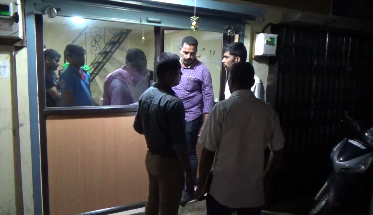 Crime Branch raids gambling den in Vasco, round up 25 people