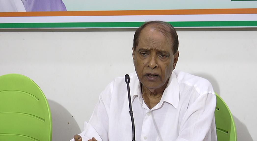 Eduardo says some Hindus also eat beef, Girish demands FIR on Sadhvi Saraswati