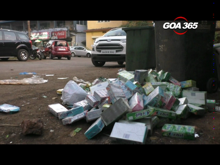 Expired stock of chewing gum dumped on roadside in Margao