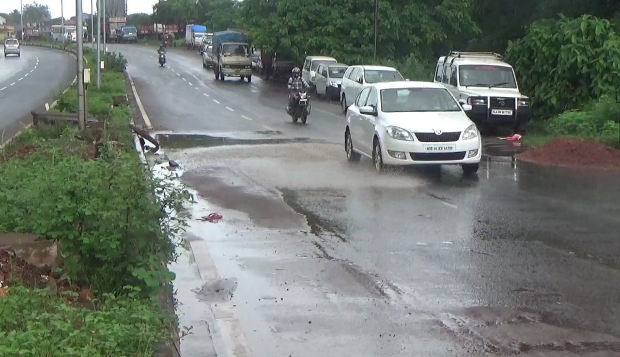 Faulty road engineering makes National Highway 17 B a dangerous road