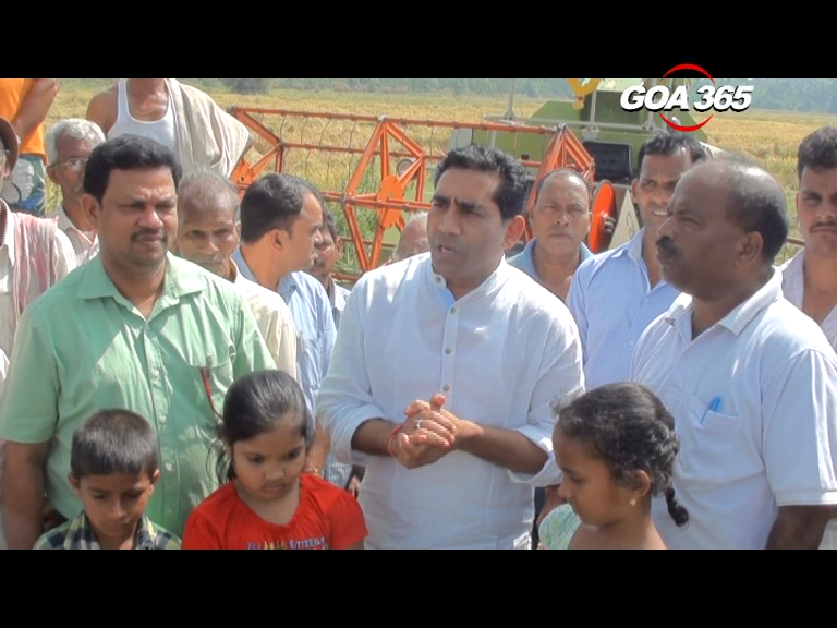 Govind encourages farmers to cultivate fallow land in Bhetki-Khandola