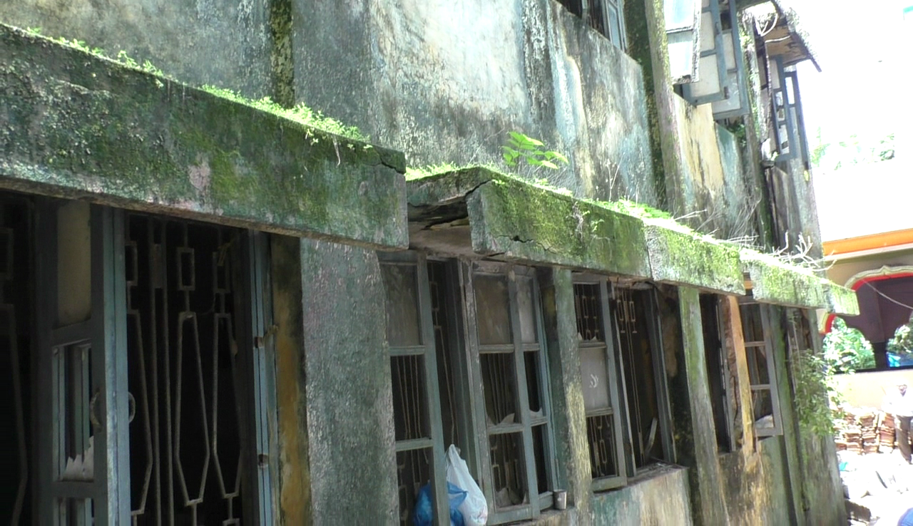 Guddem-Siolim locals want an old building demolished and built afresh