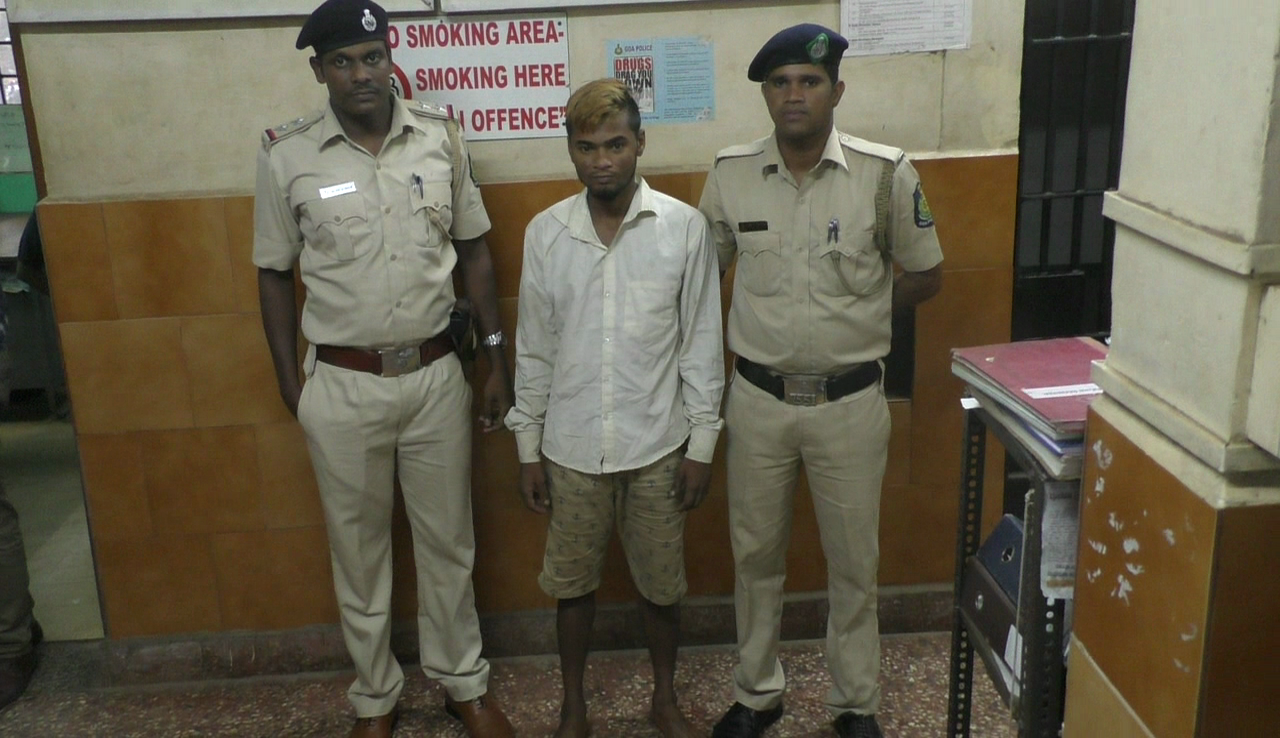 Madgao police arrest  a suspect for damaging and burgling street stalls
