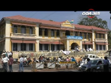 Mapusa merchants shut market, march to municipality
