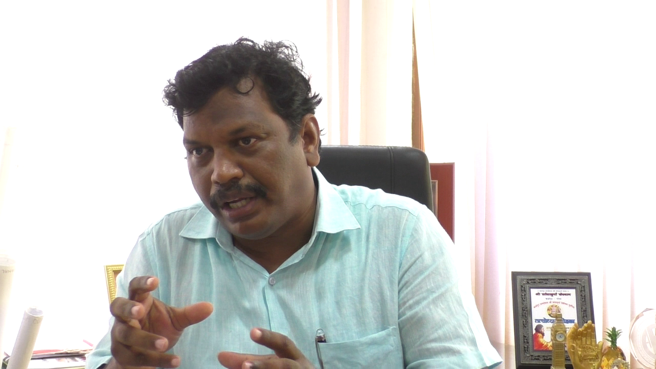 Michael warns not to misbehave with tourists & hamper economy