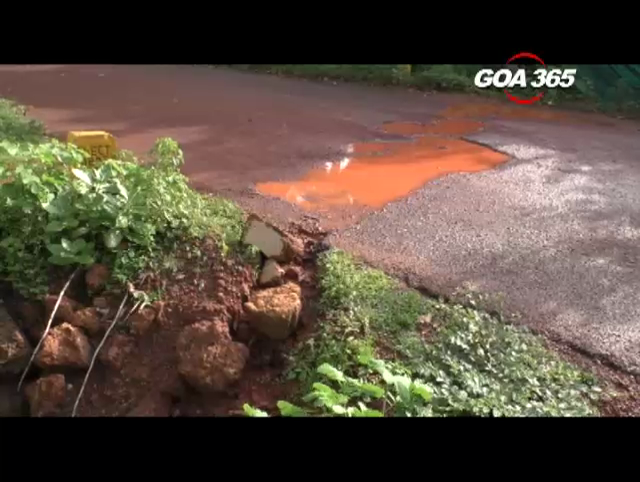 Palolem road full of potholes, locals blame Govt officials