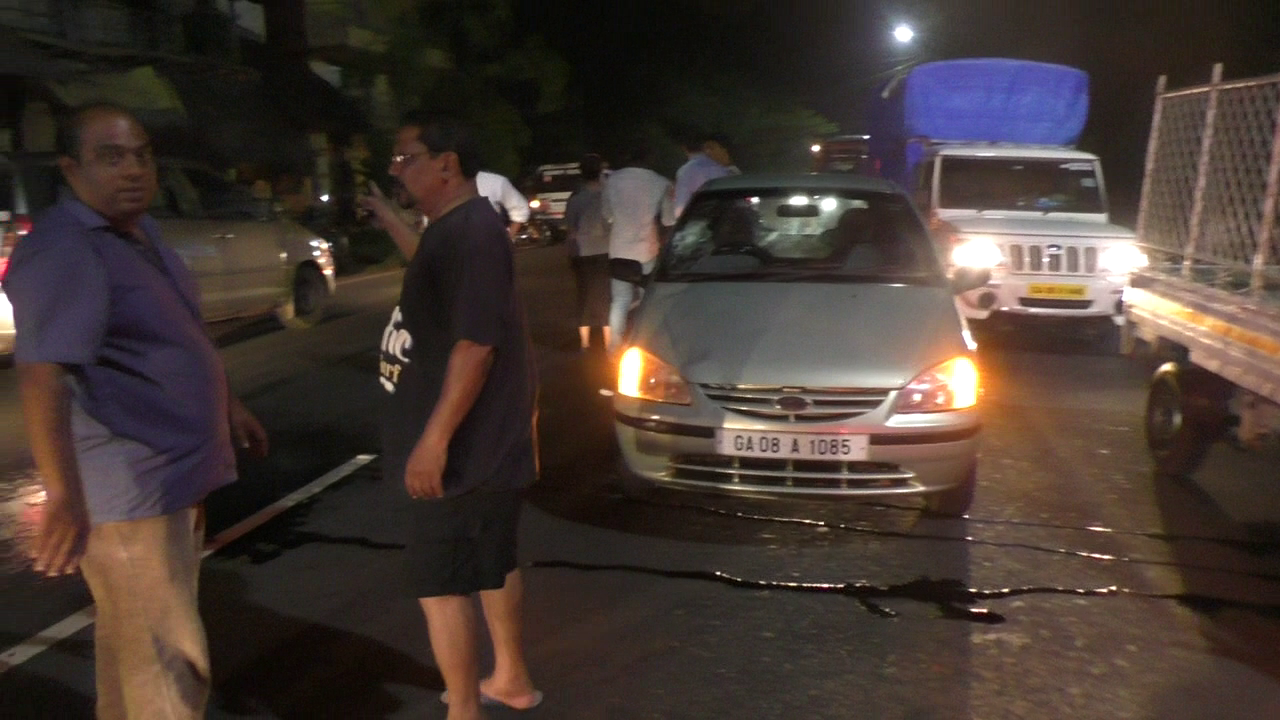 Pedestrian killed while crossing at Sirlim
