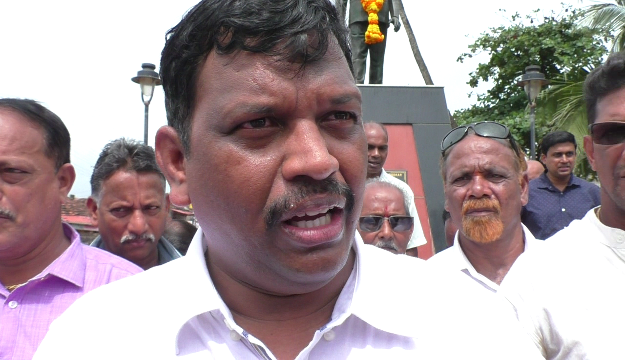 Police are shielding the criminals in Calangute and coastal belt: Michael Lobo