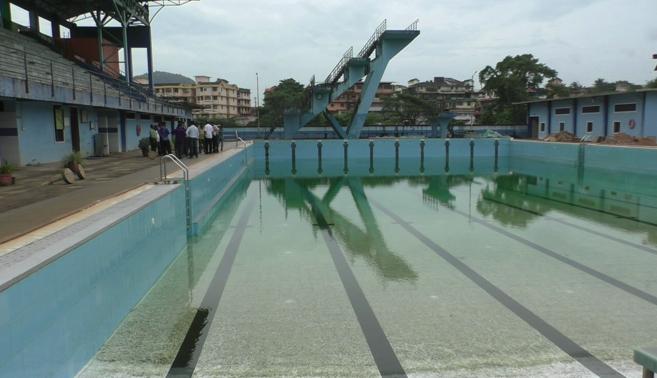 Ponda MLA inspects swimming pool leakages