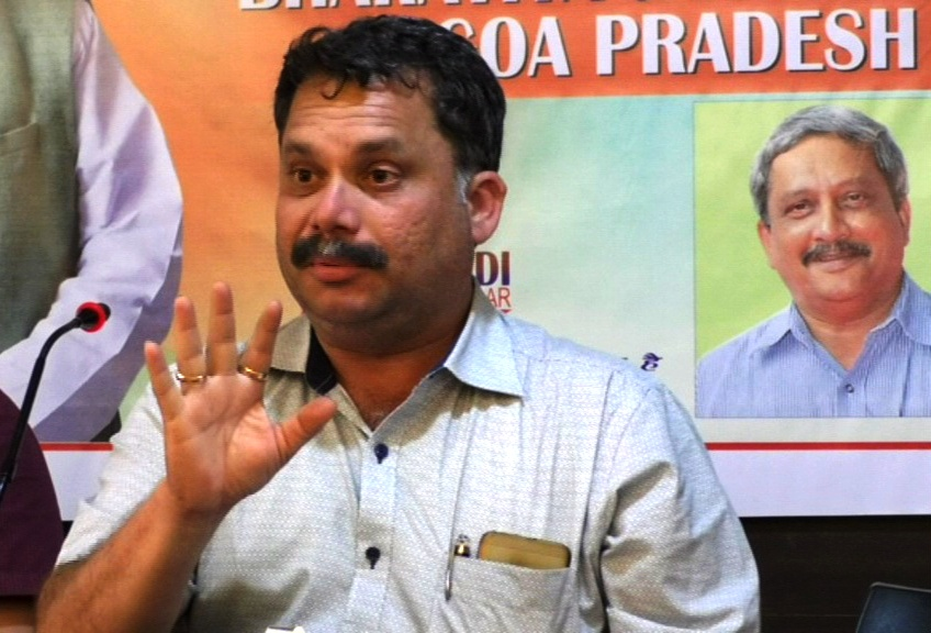 Releasing CM's health bulletin by Goa's Dr is stupid: BJP