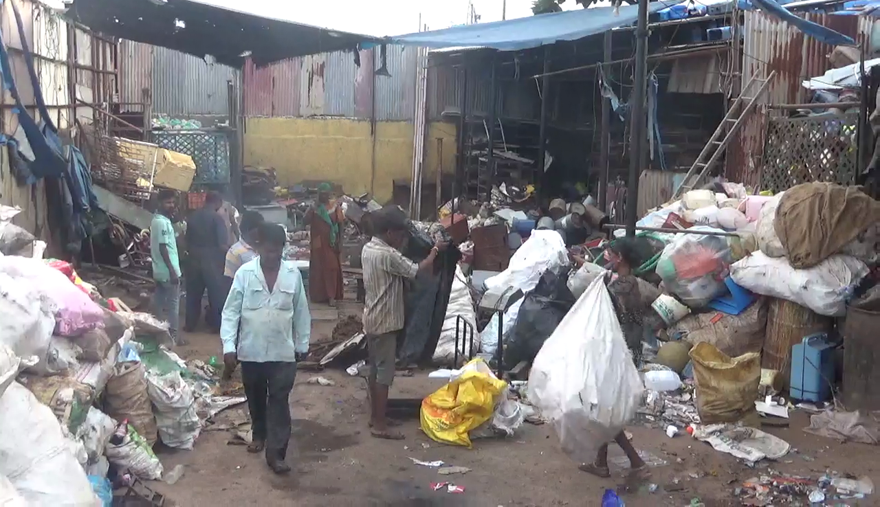 Sancoale panchayat decides to act against illegal scrapyards