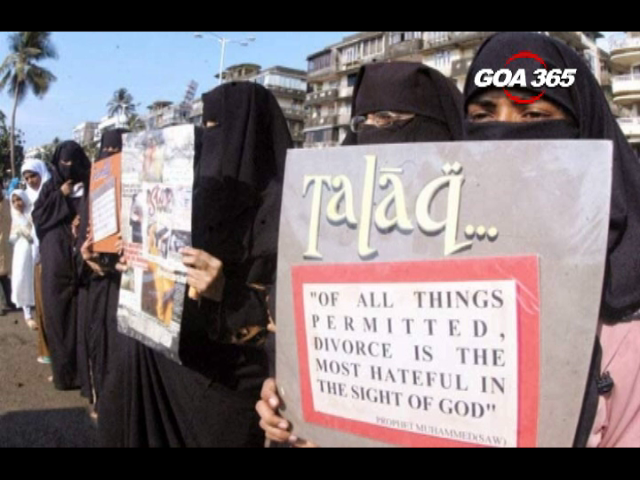SC stays triple talaq for 6 months, ball in Govt court