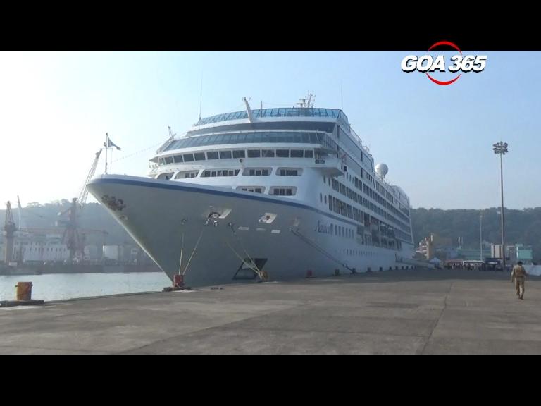 Season's  first cruise ship arrives from Dubai, 30 expected