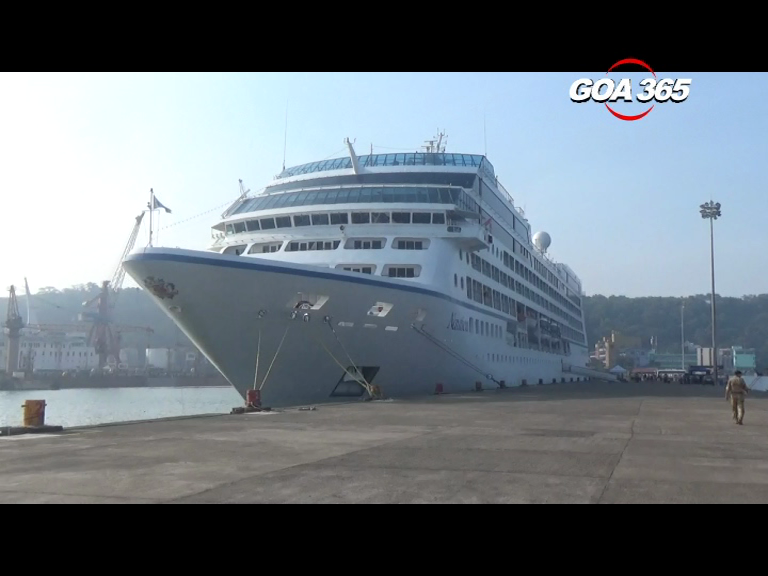 Season's  first cruise ship arrives from Dubai, 30 expected