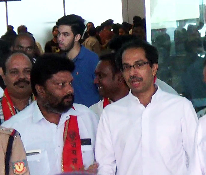 Shivsena will contest to win, not to defeat: Uddhav