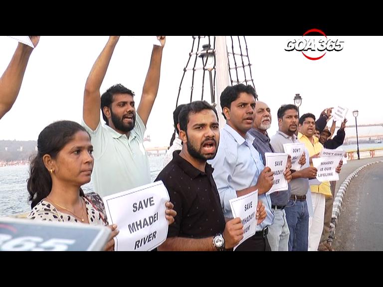 Symbolic protest condemns CM's statement on Mhadei