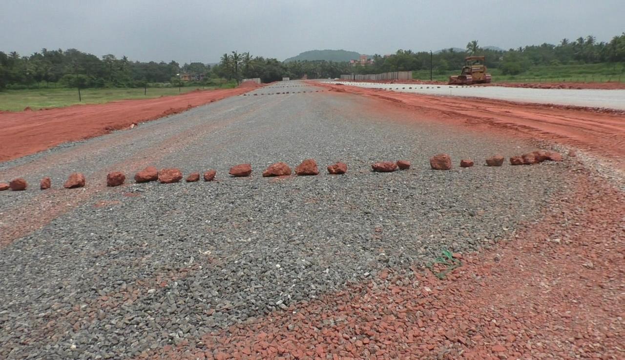 Telaulim Naveli villagers stop western bypass work