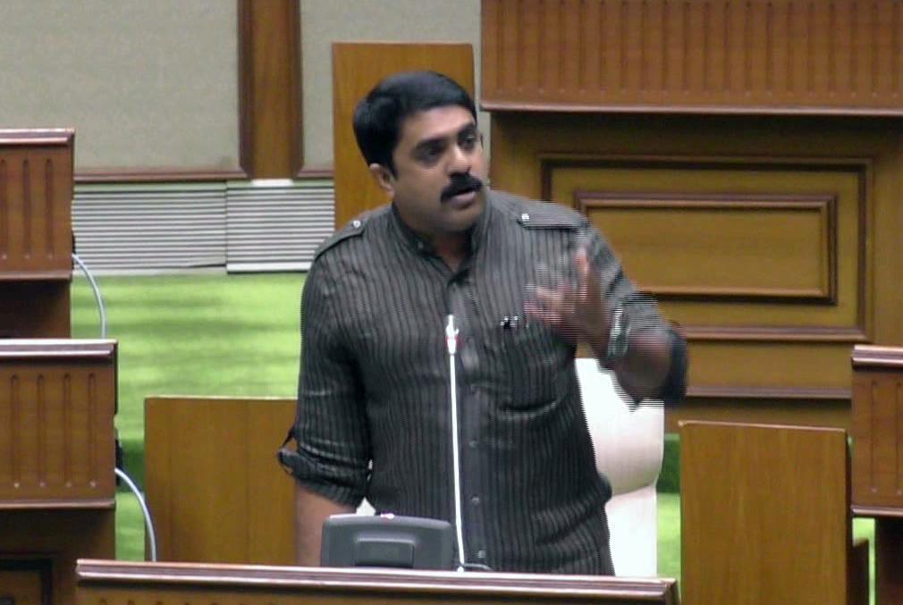 Tendulkar's congratulation turns murky in the Assembly