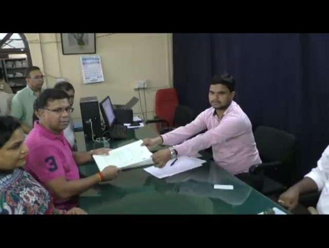 Vishwajit files nomination for By-polls from Valpoi